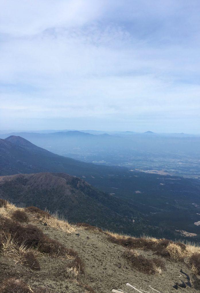 Aussicht auf das Kyushu Gebirge im Norden von Takachiho no Mine.